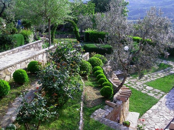 3-garden.jpg